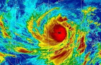 Ba yếu tố khiến bão Molave thành
