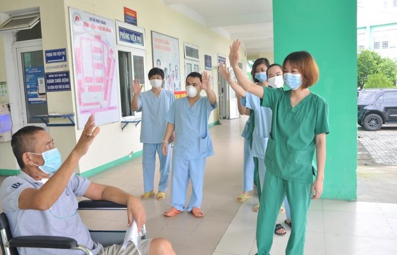 Đà Nẵng: Bệnh nhân COVID-19 nặng cuối cùng được xuất viện