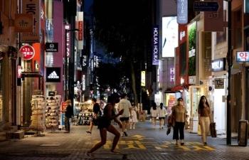 """Nhật Bản và Hàn Quốc hướng đến """"sống chung với Covid"""""""