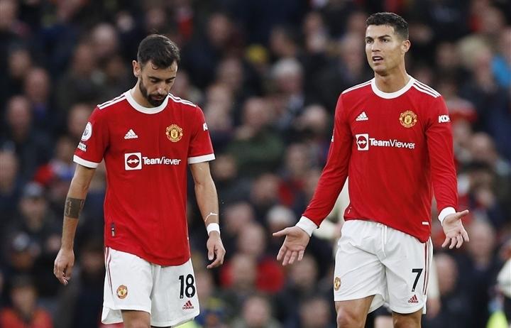 """Man Utd nổi """"sóng ngầm"""", cầu thủ sắp cạn niềm tin vào Solskjaer"""