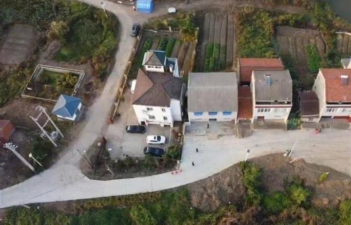 Trung Quốc truy lùng nghi phạm sát hại 5 thành viên gia đình quan chức Vũ Hán
