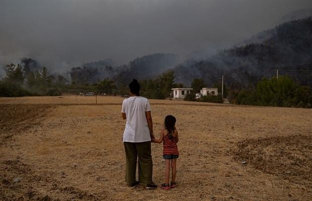 """Thế giới sẽ đạt """"mức tăng nhiệt thảm khốc"""" 2,7 độ C trong thế kỷ 21"""