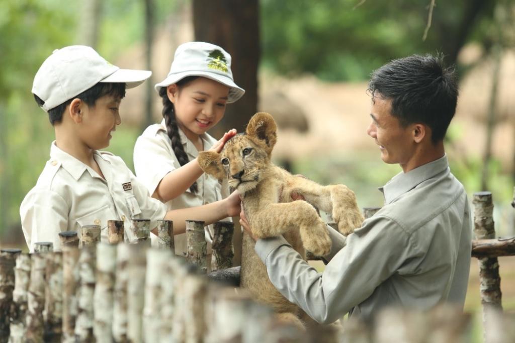 vinpearl safari dang cai to chuc hoi nghi bao ton va phuc trang dong vat lon nhat dong nam a