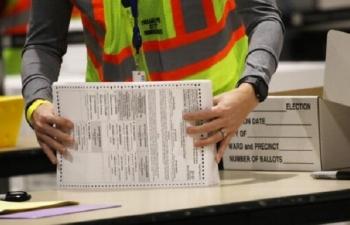 Bang Pennsylvania: 2 ứng viên bám đuổi sít sao, Tòa án tối cao ra phán quyết
