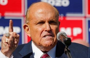"""Luật sư của Trump tố """"người chết bỏ phiếu"""" cho Biden"""