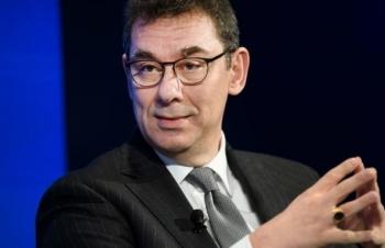CEO Pfizer bán 5 triệu USD cổ phiếu sau khi công bố tin vaccine