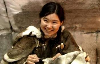 tuc ngu chung voi khach la cua phu nu eskimo