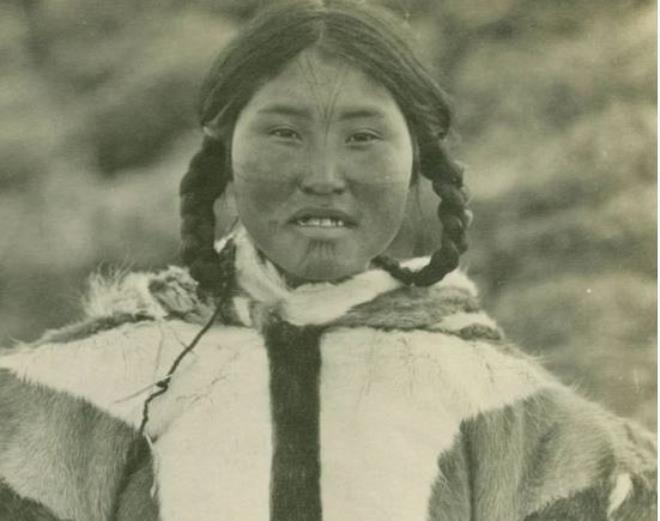 Tục ngủ chung với khách lạ của phụ nữ Eskimo - 4