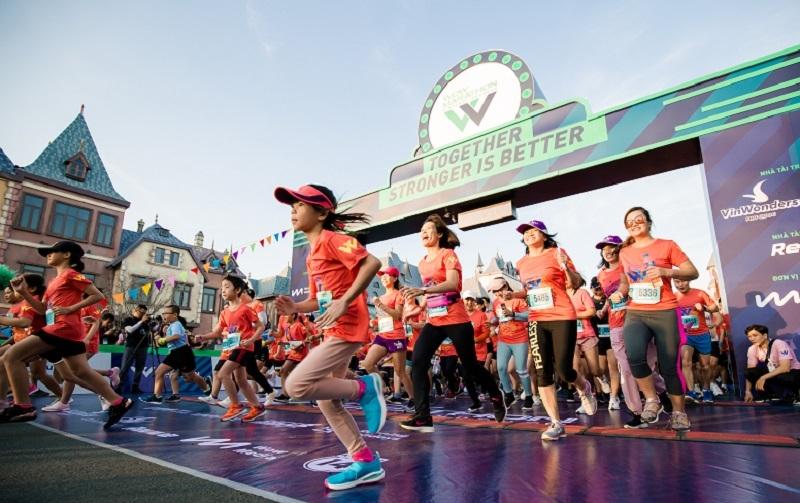 """Mãn nhãn cung đường marathon """"cực phẩm"""" và kỳ nghỉ trong mơ ở Vinpearl Phú Quốc"""