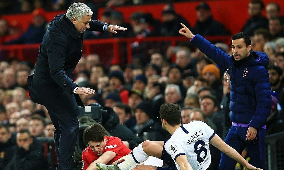 man utd ha tottenham trong ngay ve cua mourinho