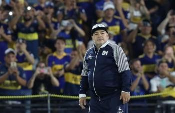 Maradona bị ngã đập đầu một tuần trước khi mất