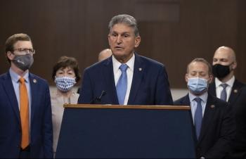 Nhóm nghị sĩ Mỹ đề xuất gói 908 tỷ USD cứu trợ Covid-19
