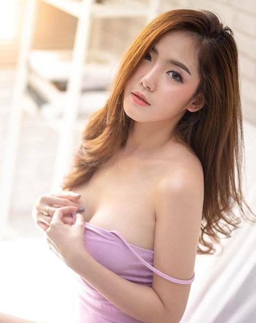 Mỹ nữ Thái có làn da trắng muốt hút hồn phái mày râu xứ Chùa Vàng