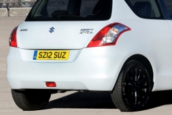suzuki swift ra ban dac biet re hon ford fiesta