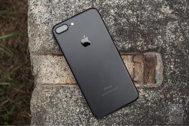 apple thay doi iphone 7 va iphone 8 de duoc ban tai duc