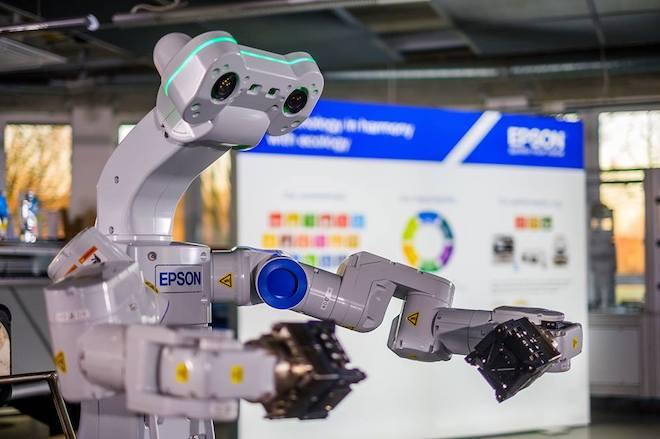 robot va tri tue nhan tao dang thay doi tuong lai cua cac nha may