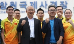 HLV Park Hang-seo khích lệ đội bắn súng Việt Nam thi đấu ở Hàn Quốc