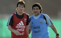Dưới cái bóng Maradona, Messi không bao giờ là huyền thoại