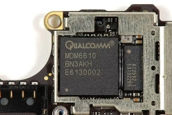 apple dang no qualcomm 7 ty usd tien ban quyen