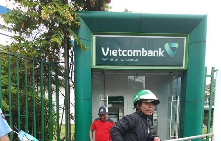 Khởi tố kẻ dùng ớt trát vào mặt người dân cướp tiền tại cây ATM