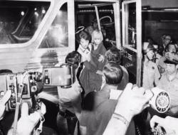 Những hình ảnh hiếm hoi về vụ bắt cóc lớn nhất trong lịch sử nước Mỹ