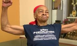 Cụ bà 82 tuổi hạ gục kẻ đột nhập