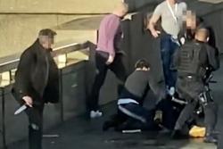 Khủng bố IS nhận trách nhiệm tiến hành vụ đâm dao trên cầu London