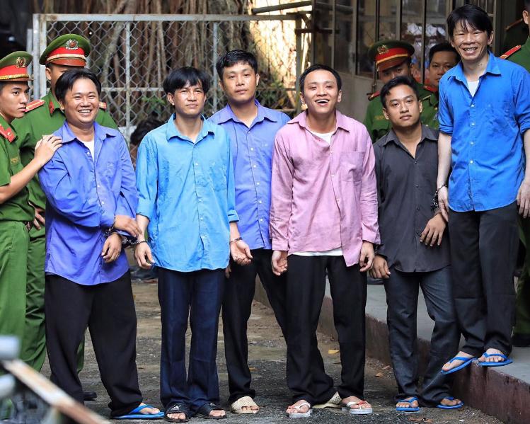 vo bac si chiem quoc thai hau toa vi thue giang ho chem chong