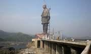 Ấn Độ lo biểu tình trước lễ khánh thành tượng lớn nhất thế giới