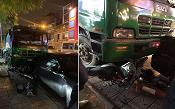 Hà Nội: Dừng đèn đỏ, 2 thanh niên bị xe chở rác tông trọng thương