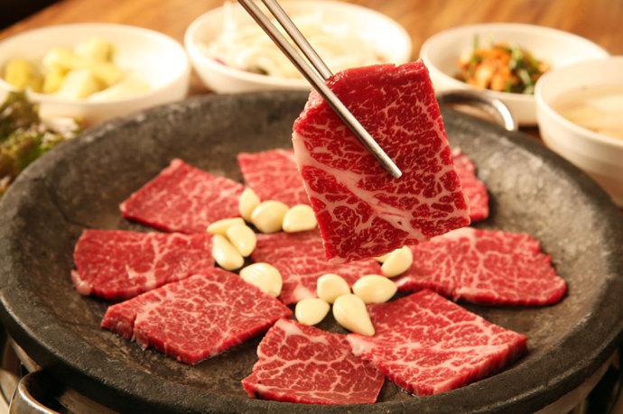 Điều gì xảy ra với cơ thể khi bạn ăn quá nhiều thịt