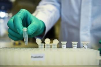 Anh cho phép dân tiêm nhiều loại vaccine COVID-19 khác nhau
