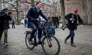 Chính phủ Hà Lan đồng loạt từ chức