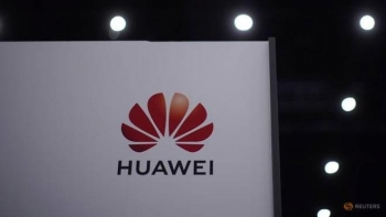 Những ngày cuối cầm quyền, ông Trump tung đòn tấn công Huawei