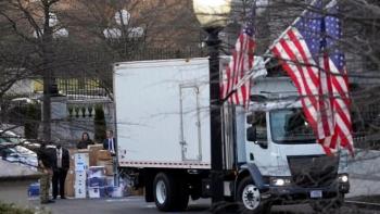Trump không dự lễ nhậm chức, Biden gặp khó khi chuyển vào Nhà Trắng