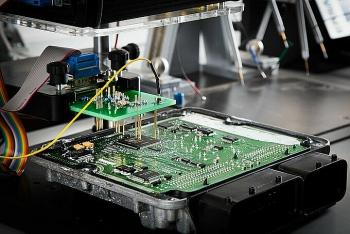 """""""Cơn khát"""" chip công nghệ lan sang ngành ôtô"""