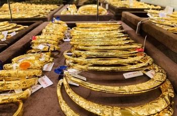 Giá vàng thế giới cuối tuần tăng nhẹ