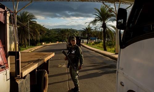 hon loan tai thu phu co 8000 tan vang cua venezuela