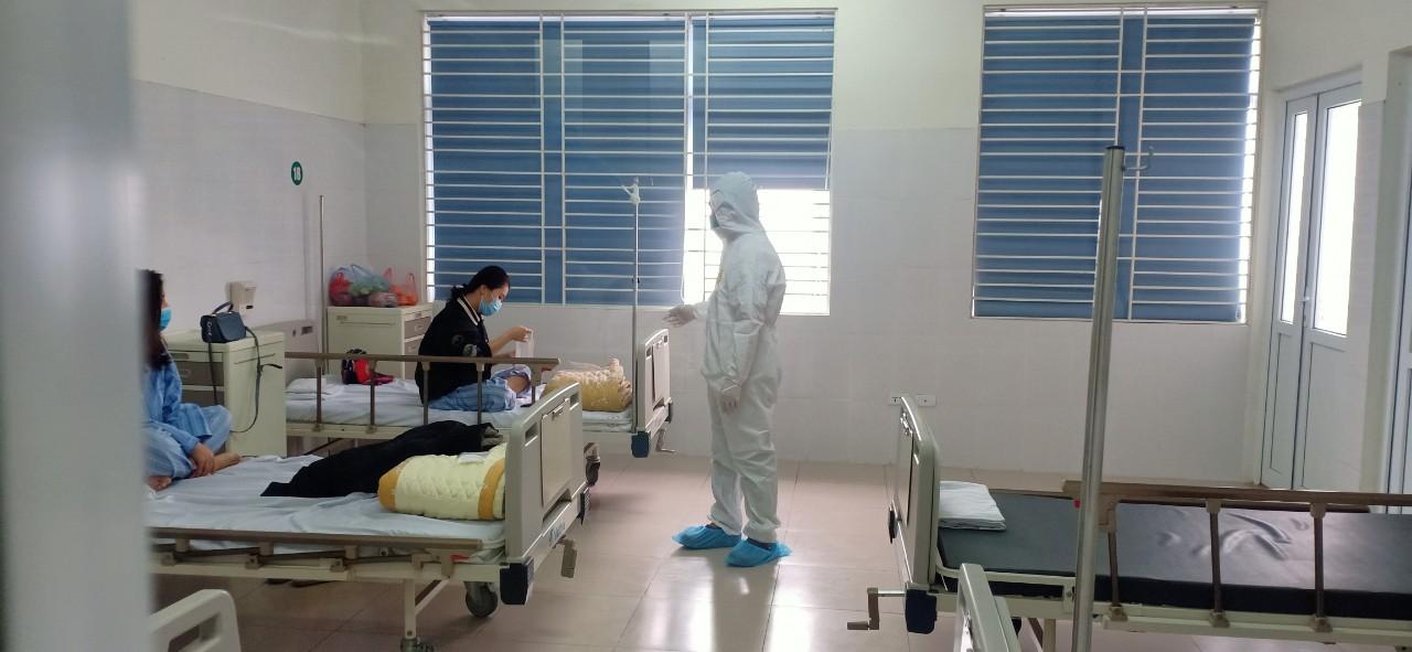 Ảnh: Bên trong nơi điều trị bệnh nhân COVID-19 ở Hà Nội - 5