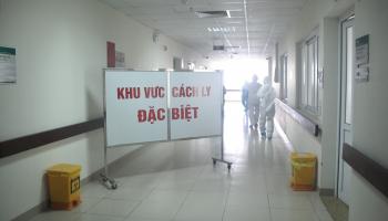 Ảnh: Bên trong nơi điều trị bệnh nhân COVID-19 ở Hà Nội