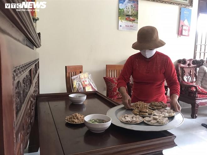 Mâm cơm đặc biệt cúng Táo quân trong tâm dịch Chí Linh - 1