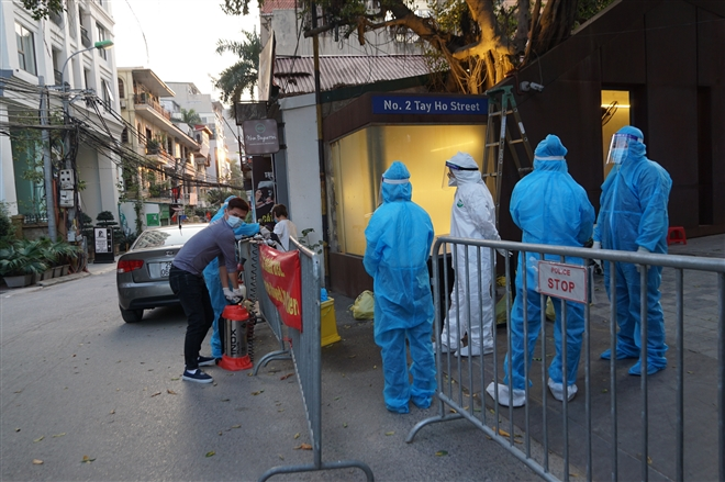 Ảnh: Cách ly khách sạn nơi bệnh nhân Nhật Bản dương tính SARS-CoV-2 thiệt mạng - 6