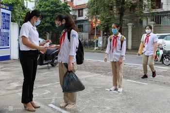 Đề xuất cho học sinh Hà Nội tiếp tục học trực tuyến