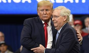 """Đảng Cộng hòa chật vật """"thoát bóng"""" Trump"""