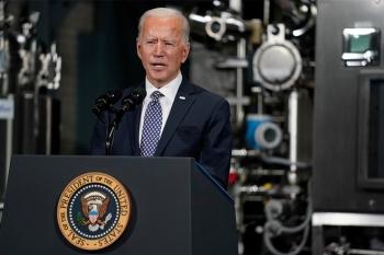Ông Biden cảnh báo khó trở lại cuộc sống bình thường do biến thể COVID-19