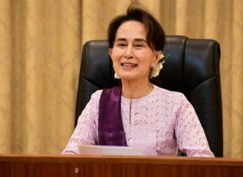"""Bà Aung San Suu Kyi """"bị chuyển tới nơi giam giữ bí mật"""""""