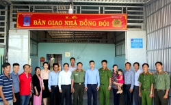 kcm trao tang hoc bong cho sinh vien trong chuong trinh gieo hat giong tuong lai nam 2019