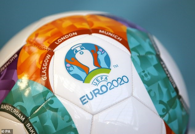 uefa doi 275 trieu euro tien boi thuong khi hoan he thong giai dau