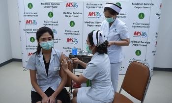 Châu Á nguy cơ thua thiệt vì chậm tiêm vaccine Covid-19