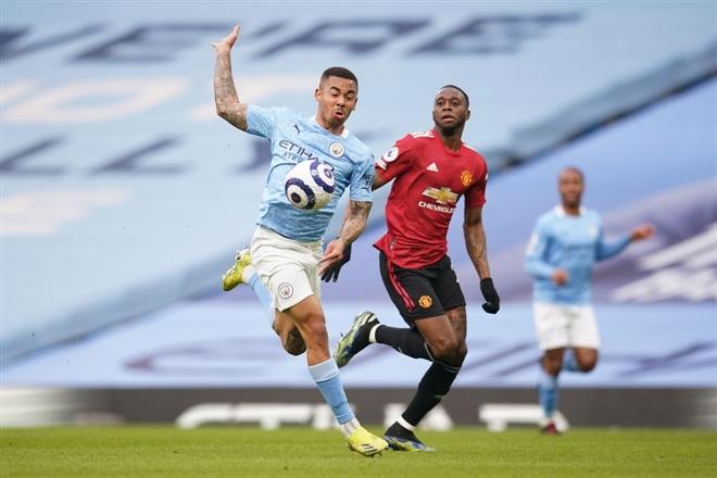 Man Utd nhấn chìm Man City, cắt chuỗi 21 trận toàn thắng của đại kình địch - 2